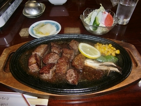 サイコロステーキ定食_R.jpg